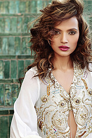 Aamina Sheikh model & actress. Photoshoot of model Aamina Sheikh demonstrating Face Modeling.Face Modeling Photo #122896