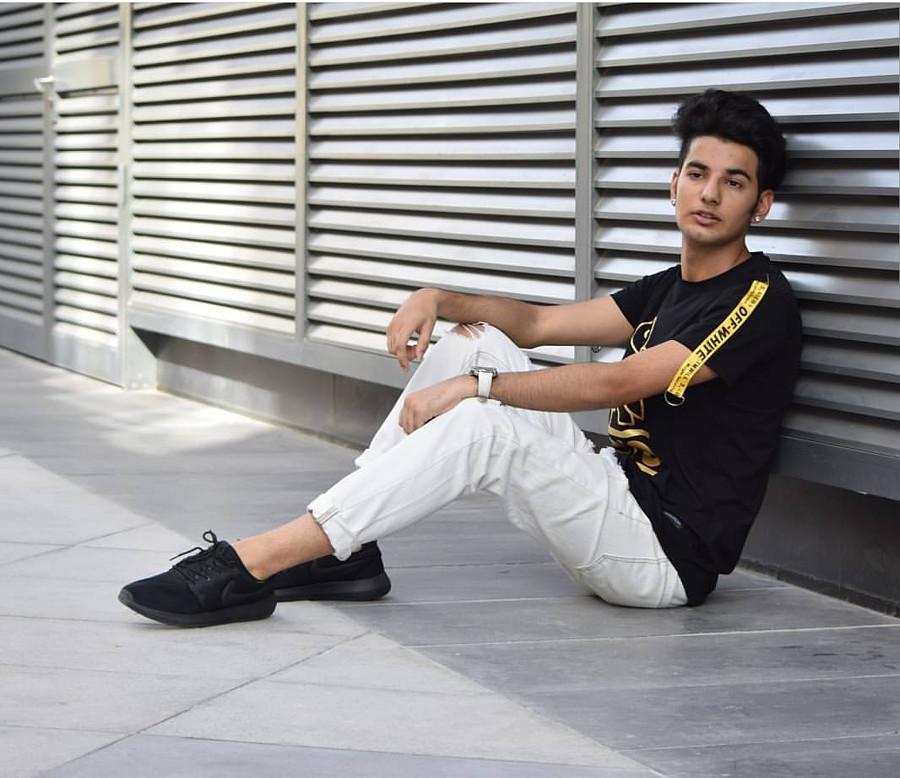Abdul Wahab model. Modeling work by model Abdul Wahab. Photo #209137