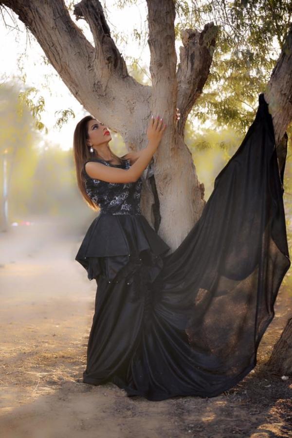 Abeera Sheikh model. Photoshoot of model Abeera Sheikh demonstrating Fashion Modeling.@abeera.k.sheikhFashion Modeling Photo #209206