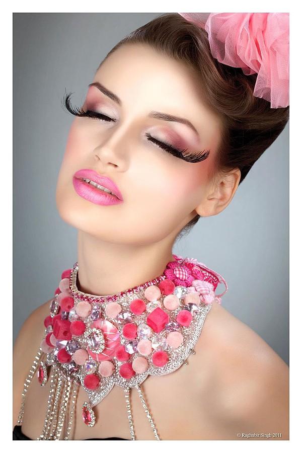 Abhilasha Srivastava fashion stylist. styling by fashion stylist Abhilasha Srivastava.Beauty Styling Photo #123739