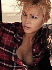 Agnes Fischer model. Photoshoot of model Agnes Fischer demonstrating Face Modeling.Face Modeling Photo #140000
