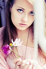 Agnieszka Balcerak photographer (photographe). Work by photographer Agnieszka Balcerak demonstrating Portrait Photography.Portrait Photography Photo #60868