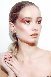 Ágústa Sif is a freelance makeup artist located in Reykjavík, Iceland. She isavailable for special events, HDTV, commercial and editorial pr