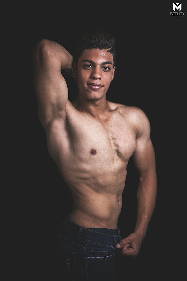 Ahmed Rabee model. Photoshoot of model Ahmed Rabee demonstrating Body Modeling.Body Modeling Photo #200675