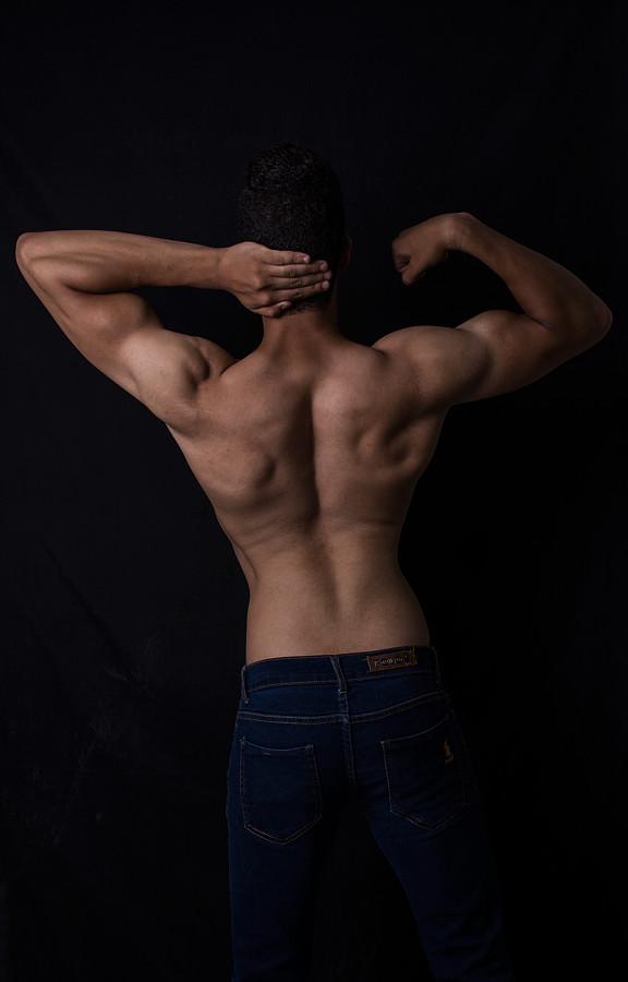 Ahmed Rabee model. Photoshoot of model Ahmed Rabee demonstrating Body Modeling.Body Modeling Photo #200680