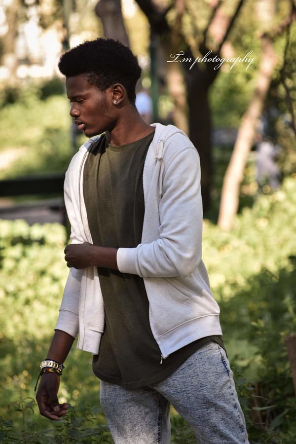 Aibangbe Gideon Μοντέλο