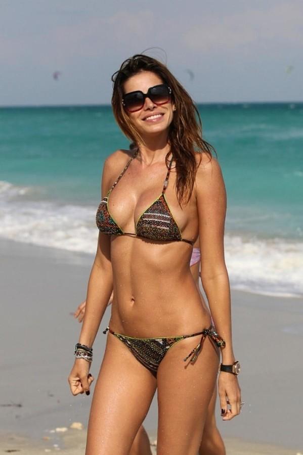 Aida Yespica model. Photoshoot of model Aida Yespica demonstrating Body Modeling.Body Modeling Photo #162906