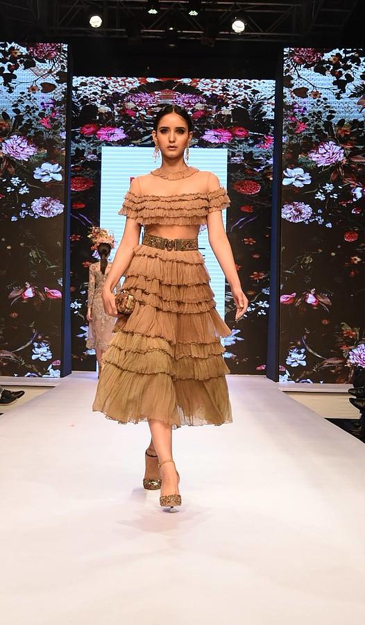 Talent Factory New Delhi modeling agency, Akanksha Choudhary model. Photoshoot of model Akanksha Choudhary demonstrating Runway Modeling.model: Akanksha ChoudharyRunway Modeling,Women Casting Photo #181809