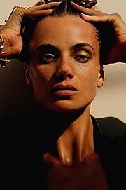Akyria Ougos model (modelo). Photoshoot of model Akyria Ougos demonstrating Face Modeling.Face Modeling Photo #144980