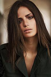 Akyria Ougos model (modelo). Photoshoot of model Akyria Ougos demonstrating Face Modeling.Face Modeling Photo #145005