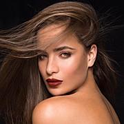 Akyria Ougos model (modelo). Photoshoot of model Akyria Ougos demonstrating Face Modeling.Face Modeling Photo #180575