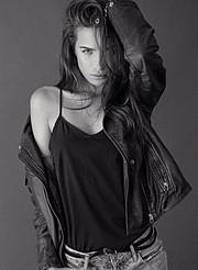 Akyria Ougos model (modelo). Photoshoot of model Akyria Ougos demonstrating Fashion Modeling.Fashion Modeling Photo #180576