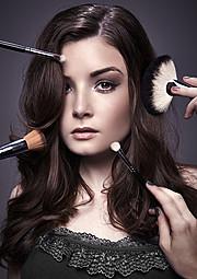 Alecia Hamilton model. Photoshoot of model Alecia Hamilton demonstrating Face Modeling.Face Modeling Photo #78578