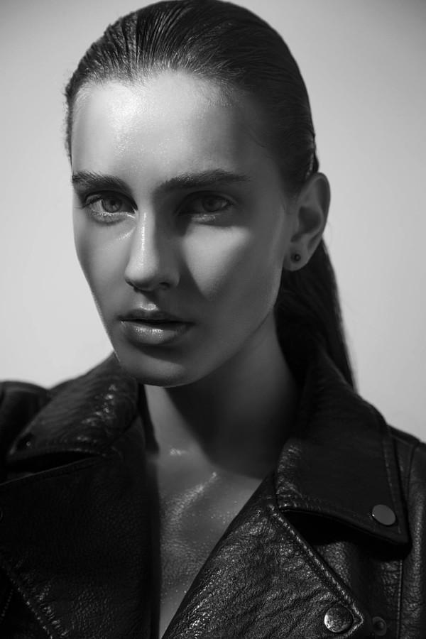 Aleksandra Klima model. Photoshoot of model Aleksandra Klima demonstrating Face Modeling.Face Modeling Photo #200978