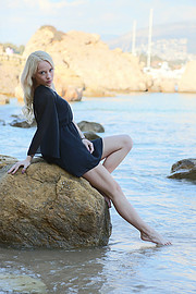 Aleksandra Ola Bieniek model (μοντέλο). Photoshoot of model Aleksandra Ola Bieniek demonstrating Body Modeling.Body Modeling Photo #225474