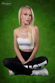Aleksandra Ola Bieniek model (μοντέλο), Panagiotis Lymperopoulos (Παναγιώτης Λυμπερόπουλος) fashion photographer. Photoshoot of model Aleksandra Ola Bieniek demonstrating Body Modeling.Model: Aleksandra Ola BieniekMakeup: Eléna Jet DarlingsPhoto-Ed
