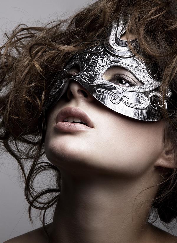 Alessandra Velia model (modèle). Photoshoot of model Alessandra Velia demonstrating Face Modeling.Face Modeling Photo #103394