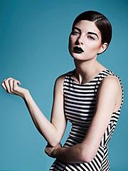 Alessandra Velia model (modèle). Alessandra Velia demonstrating Fashion Modeling, in a photoshoot by Alice Pacaud.Photographer : Alice PacaudMake up & hair : Léa ToussaintFashion Modeling Photo #103395