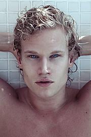 Alex Alexander model & singer. Photoshoot of model Alex Alexander demonstrating Face Modeling.Face Modeling Photo #102333