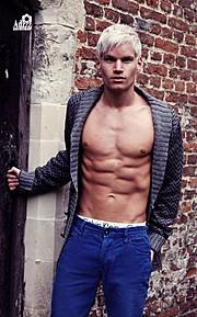 Alex Alexander model & singer. Photoshoot of model Alex Alexander demonstrating Body Modeling.Body Modeling Photo #102344