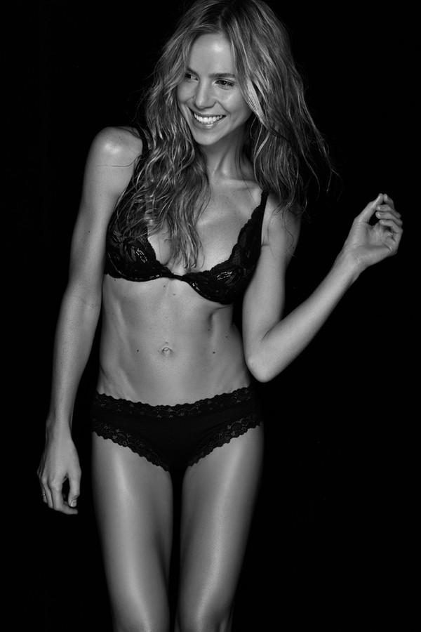 Alex Davis model. Photoshoot of model Alex Davis demonstrating Body Modeling.Body Modeling Photo #104240