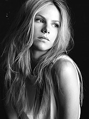 Alex Pendlebury model. Photoshoot of model Alex Pendlebury demonstrating Face Modeling.Face Modeling Photo #104234