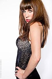 Alexandra Leigh Parker model & violinist. Photoshoot of model Alexandra Leigh Parker demonstrating Face Modeling.Face Modeling Photo #93287