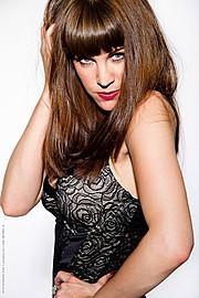 Alexandra Leigh Parker model & violinist. Photoshoot of model Alexandra Leigh Parker demonstrating Face Modeling.Face Modeling Photo #93288