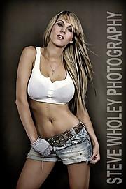 Alexandra Leigh Parker model & violinist. Photoshoot of model Alexandra Leigh Parker demonstrating Fashion Modeling.Fashion Modeling Photo #93289