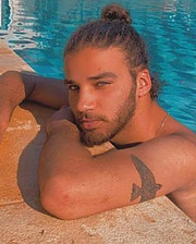 Ali Muhaisen model. Photoshoot of model Ali Muhaisen demonstrating Face Modeling.Face Modeling Photo #231767
