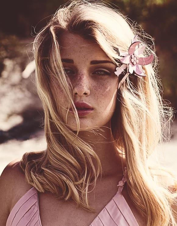 Alice Pagani model & actress. Photoshoot of model Alice Pagani demonstrating Face Modeling.Face Modeling Photo #171854