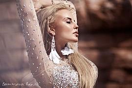 Anna Ekomasova photographer (Анна Екомасова фотограф), Alina Ilina model & fashion designer (модель & модельер). Photoshoot of model Alina Ilina demonstrating Face Modeling.model: Alina Ilinaphotographer: Anna EkomasovaPortrait Photography,Face Mod