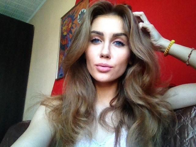 Alina Marynych model (modelka). Photoshoot of model Alina Marynych demonstrating Face Modeling.Face Modeling Photo #180496