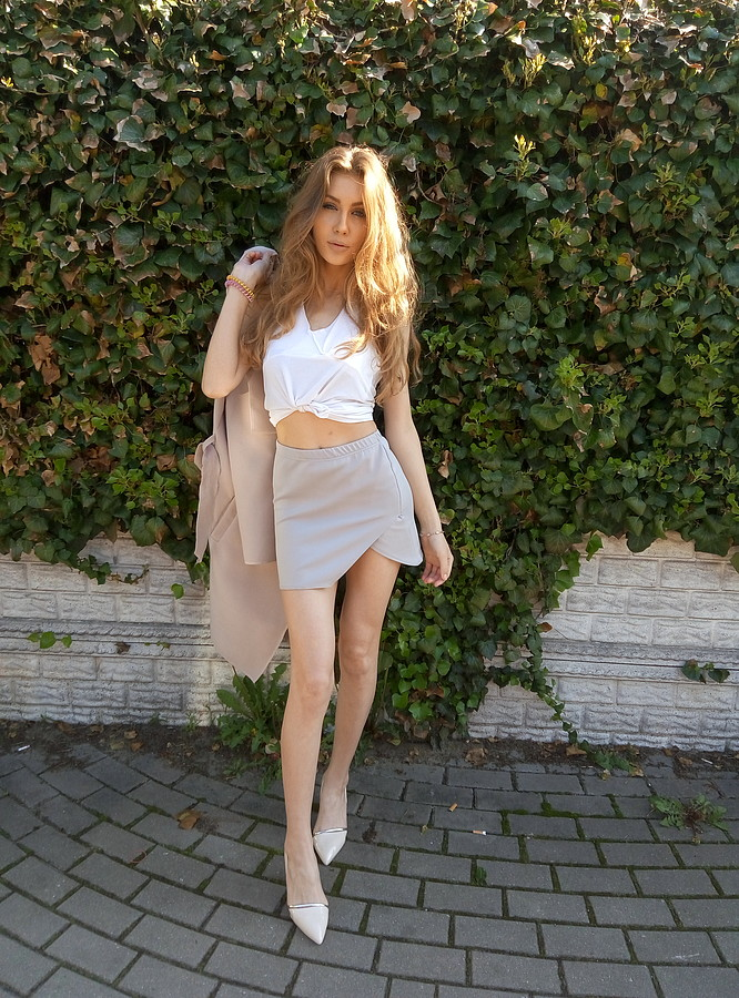 Alina Marynych model (modelka). Photoshoot of model Alina Marynych demonstrating Fashion Modeling.Fashion Modeling Photo #180525