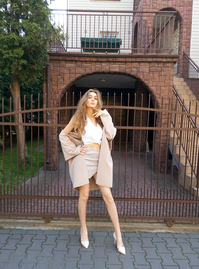Alina Marynych model (modelka). Photoshoot of model Alina Marynych demonstrating Fashion Modeling.Fashion Modeling Photo #180530