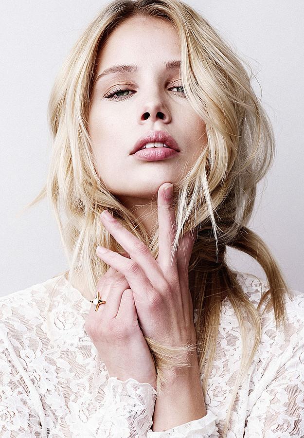 Allie Leggett model. Allie Leggett demonstrating Face Modeling, in a photoshoot by Trever Hoehne.==Lili Claspe Summer 2015 Collection==Photographer: Trever HoehneHair & Makeup: Haley BucknerModel: Allie LeggettFace Modeling Photo #165687