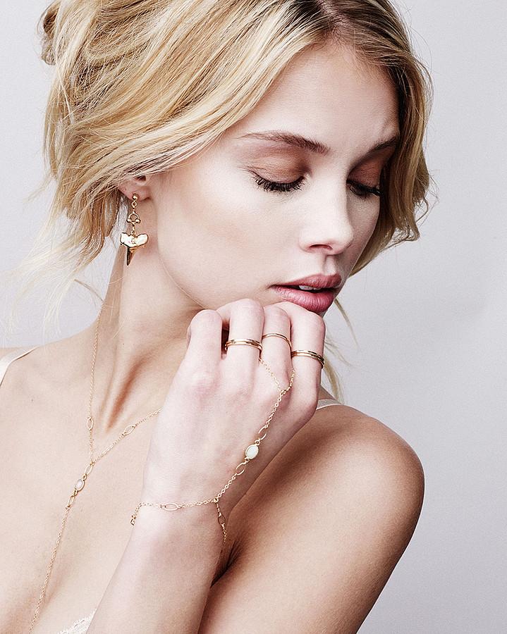 Allie Leggett model. Allie Leggett demonstrating Face Modeling, in a photoshoot by Trever Hoehne.Photographer: Trever HoehneHair & Makeup: Haley BucknerModel: Allie LeggettFace Modeling Photo #165690