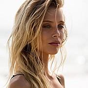 Allie Leggett model. Photoshoot of model Allie Leggett demonstrating Face Modeling.Face Modeling Photo #170273