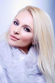 Alona Lavrentidou model (μοντέλο). Photoshoot of model Alona Lavrentidou demonstrating Face Modeling.Face Modeling Photo #231336