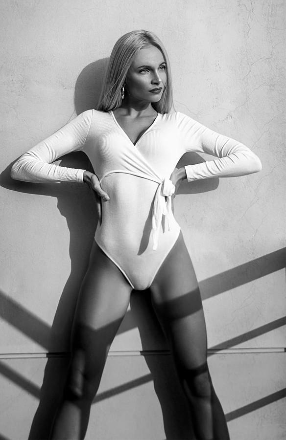 Alona Lavrentidou model (μοντέλο). Photoshoot of model Alona Lavrentidou demonstrating Fashion Modeling.Fashion Modeling Photo #231337