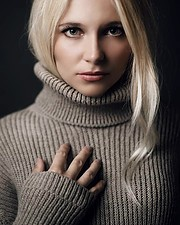 Alona Lavrentidou model (μοντέλο). Photoshoot of model Alona Lavrentidou demonstrating Face Modeling.Face Modeling Photo #231341