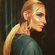 Alona Lavrentidou model (μοντέλο). Photoshoot of model Alona Lavrentidou demonstrating Face Modeling.Face Modeling Photo #231344