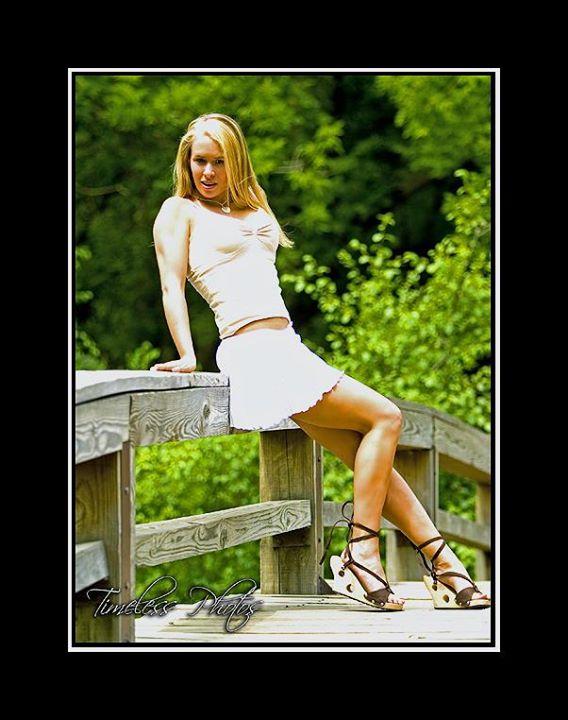 Amanda Mutchie Model & Makeup Artist