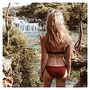 Ameslon Anne Claire model (modèle). Photoshoot of model Ameslon Anne Claire demonstrating Body Modeling.Body Modeling Photo #211933