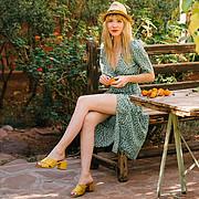 Ameslon Anne Claire model (modèle). Photoshoot of model Ameslon Anne Claire demonstrating Fashion Modeling.Fashion Modeling Photo #211937