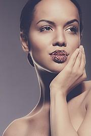 Amina Malakona model. Photoshoot of model Amina Malakona demonstrating Face Modeling.Face Modeling Photo #75429