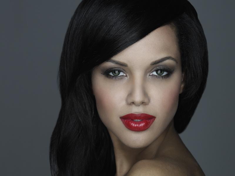Amina Malakona model. Photoshoot of model Amina Malakona demonstrating Face Modeling.Face Modeling Photo #75444