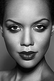 Amina Malakona model. Photoshoot of model Amina Malakona demonstrating Face Modeling.Face Modeling Photo #75446