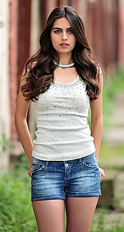 Amine Gulse (Amine Gülşe) model. Photoshoot of model Amine Gulse demonstrating Fashion Modeling.Fashion Modeling Photo #113188