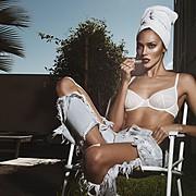 Ana Kuni model & artist. Photoshoot of model Ana Kuni demonstrating Fashion Modeling.Fashion Modeling Photo #145048